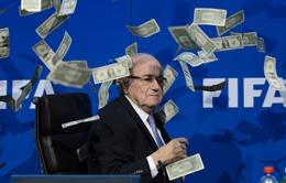 Sepp Blatter - nhân vật tai tiếng nhất thế giới bóng đá 2015