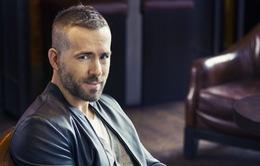 Ryan Reynolds sốc vì bạn thân định bán ảnh con mình