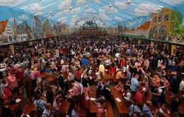 Đức: Tưng bừng lễ hội bia Oktoberfest 2015
