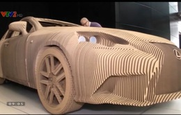 Lạ mắt ô tô động cơ điện làm từ… bìa carton