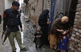 Pakistan bắt giam những người không cho con đi tiêm vaccine