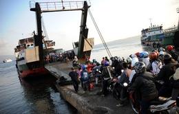 Tàu du lịch chở hơn 100 người gặp nạn ở Indonesia