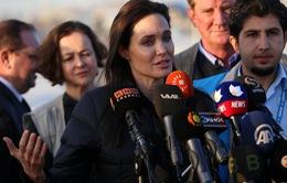 Angelina Jolie tới thăm người tị nạn ở Iraq