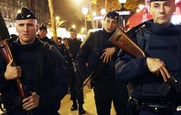 Pháp tiếp tục ráo riết truy lùng các nghi can khủng bố