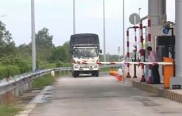 Tạm dừng đặt trạm thu phí không đủ khoảng cách 70 km