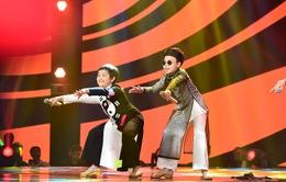 Giọng hát Việt nhí 2015: Cười 'té ghế' với 'Lên chùa cầu an' của Công Quốc