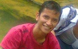 Indonesia: Nam thanh niên trốn vé trong khoang bánh xe