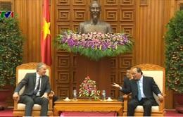 Phó Thủ tướng Nguyễn Xuân Phúc tiếp Cựu Thủ tướng Anh