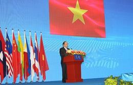 Phó Thủ tướng Chính phủ Nguyễn Xuân Phúc tham dự Hội chợ Triển lãm Trung Quốc - ASEAN