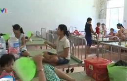 Quảng Nam: Số lượng trẻ mắc quai bị, viêm màng não tăng đột biến