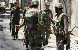 Quân đội Syria không kích ở miền Bắc, gần 80 người thương vong