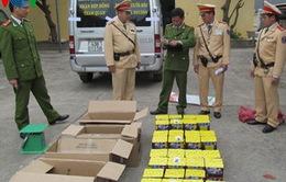 Cảnh sát giao thông Quảng Bình bắt gần 1,5 tạ pháo lậu