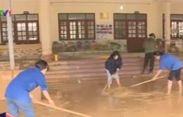 """Quảng Ninh: Nhiều trường học """"căng mình"""" khắc phục hậu quả sau mưa lũ"""