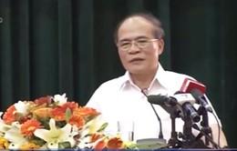 Chủ tịch Quốc hội tiếp xúc với cử tri tỉnh Hà Tĩnh