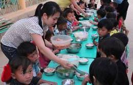Tiếp tục hỗ trợ gạo cho học sinh đặc biệt khó khăn