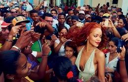 Vẫn quay lại với tình cũ dù bị đánh đập, Rihanna thừa nhận cô đơn