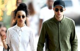 Robert Pattinson muốn có nhiều con với bạn gái