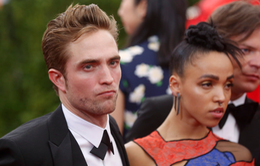 Robert Pattinson và FKA Twigs phấn khích vì đám cưới