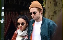 Bạn gái Robert Pattinson không thích đám cưới truyền thống