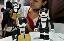 Ra mắt robot điện thoại thông minh có thể giao tiếp với người dùng