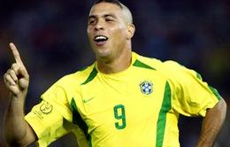 """Ronaldo de Lima - """"Người ngoài hành tinh"""" của bóng đá thế giới tròn 39 tuổi"""