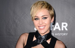 Miley Cyrus xăm mình tưởng nhớ vật nuôi
