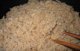 Bắt 4 tấn ruốc bẩn trộn bột mì và hóa chất