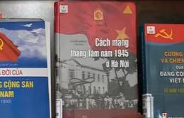 """Triển lãm sách """"Đất nước thống nhất"""""""