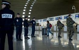 Pháp tịch thu hộ chiếu của 6 công dân tình nghi gia nhập khủng bố