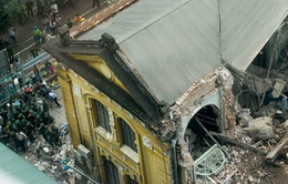 Vụ sập biệt thự cổ Hà Nội: Gần 20 người được cứu ra từ đống đổ nát