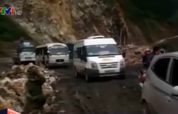 Mưa lớn tại Lai Châu gây sạt lở, ách tắc QL 12