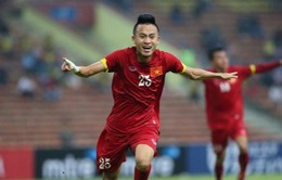 Huy Toàn sút bóng trái phá san bằng tỉ số 1-1 cho O.Việt Nam