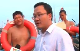Trao tặng áo phao và thuốc y tế cho ngư dân huyện đảo Cô Tô