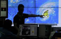 Philippines hoãn nhiều chuyến bay do bão Koppu