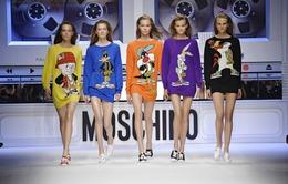 BST mới của Moschino trẻ trung với họa tiết hoạt hình