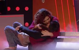 Bước nhảy ngàn cân 2015: Cưỡng hôn bạn nhảy, hotgirl trăm ký dẫn đầu