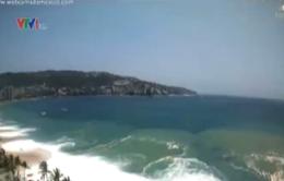 Mexico cảnh báo sóng lớn và lũ lụt tại bờ biển Thái Bình Dương