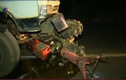 Liên tiếp xảy ra tai nạn liên quan đến xe công nông