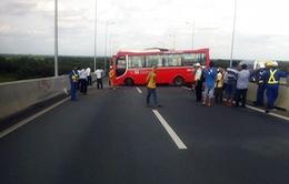 TP.HCM: Tai nạn liên hoàn trên cao tốc, 13 người bị thương