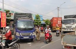 Bình Dương: Xe container gây tai nạn liên hoàn, lao vào nhà dân