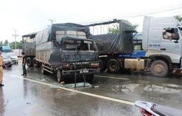 Bình Dương: Tai nạn liên hoàn giữa 4 xe ô tô