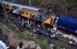Hiện trường vụ tai nạn tàu hỏa nghiêm trọng ở Nam Phi