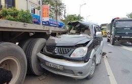 Thanh Hóa: Xe 7 chỗ đâm xe đầu kéo, 7 người thương vong