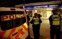 Anh: Tấn công bằng dao ở ga tàu điện ngầm, 3 người bị thương