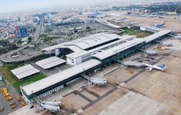 Tạm thời đóng cửa đường băng sân bay Tân Sơn Nhất bị sét đánh