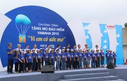 Hải Dương: Trao tặng 10.000 mũ bảo hiểm cho học sinh tiểu học