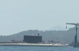Tàu ngầm Kilo 185 - Khánh Hòa cập cảng Cam Ranh