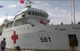 Đưa 11 ngư dân trên tàu cá bị chìm tại Trường Sa vào bờ an toàn
