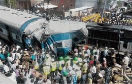 Ấn Độ: Tàu hỏa trật bánh, 30 người thiệt mạng