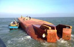 Cứu hộ thành công 13 thuyền viên trong vụ chìm tàu ở Cần Giờ
